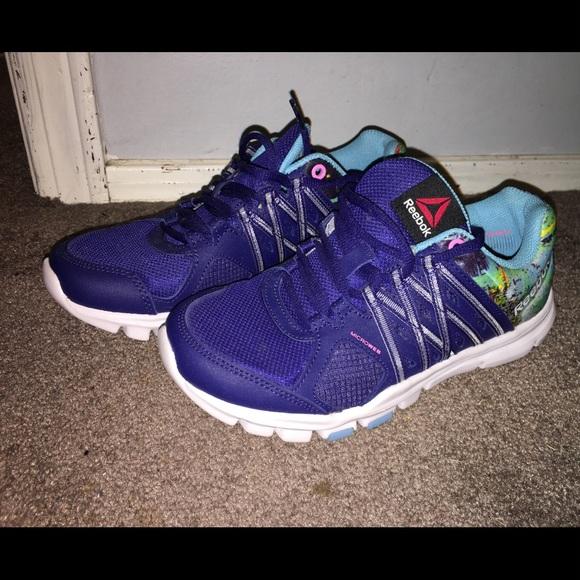Womens Reebok Memory Tech Shoe Size 6